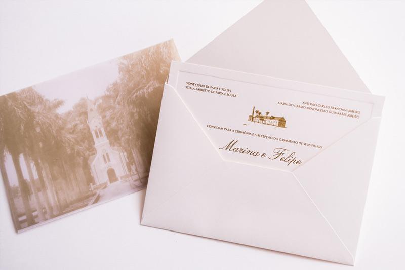 Convite-com-desenho-da-igreja-e-luva-papel-e-esitlo