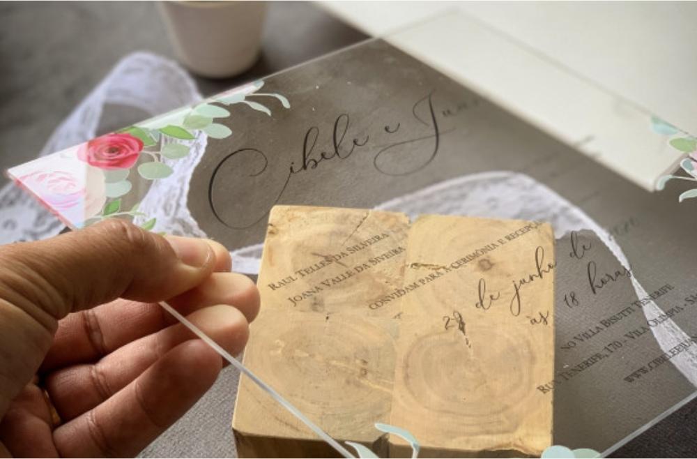 Convites de casamento no campo Acrílico
