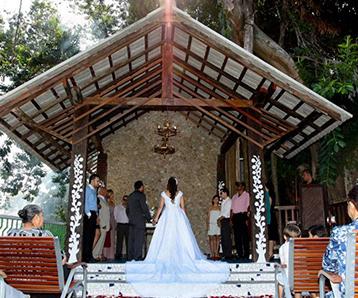 Convite de casamento em sao vicente papel e estilo
