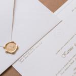 Convite-de-casamento-com-local-do-casamento-papel-e-estilo