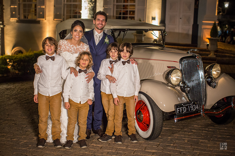 carro-antigo-casamento-noivos-criancas