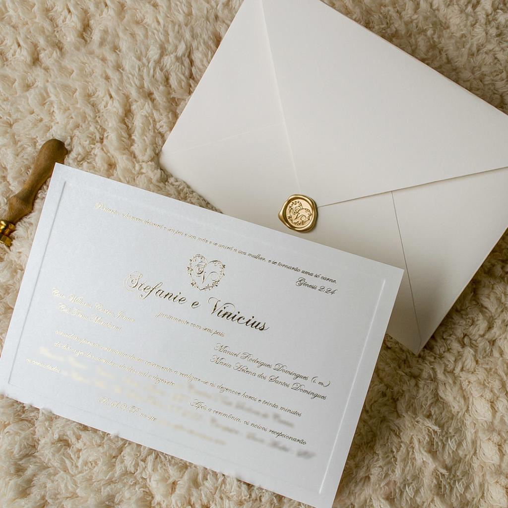 Convites simples com lacre de resina