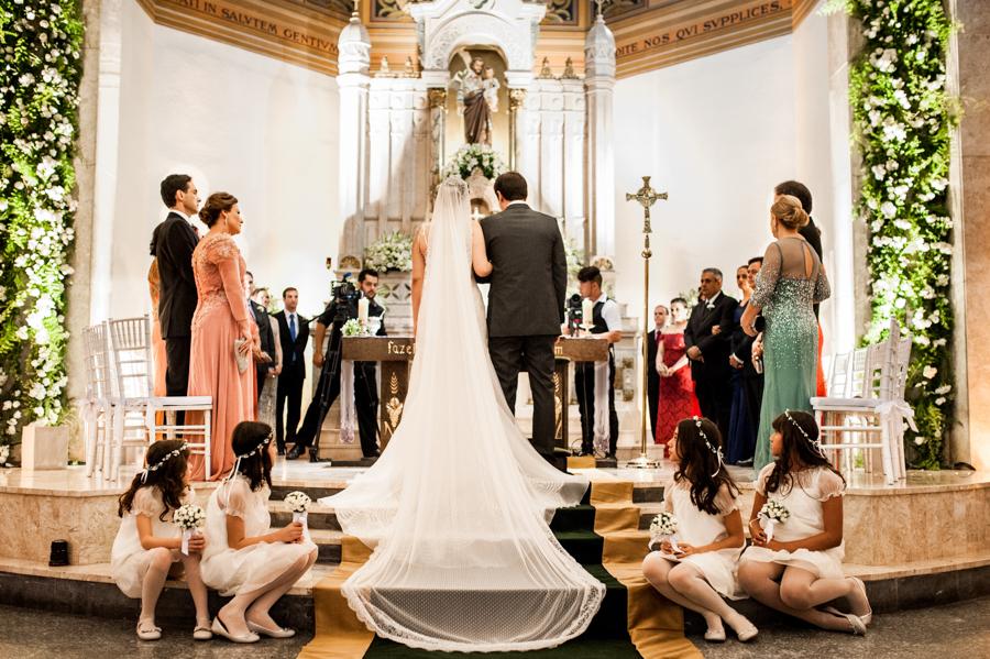 decoração-de-casamento-na-igreja-01