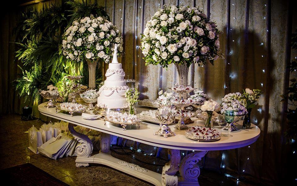 Decoração de casamento: mesa do bolo