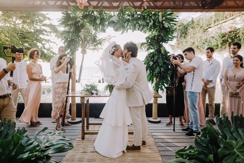 Fotos de casamento: o primeiro beijo