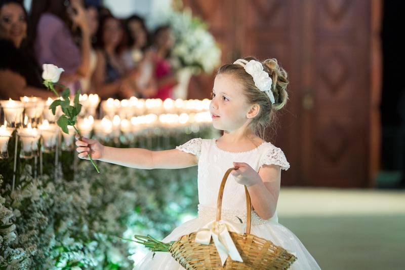 pajens-e-daminhas-entrega-de-flores-foto-monjardim-noleto