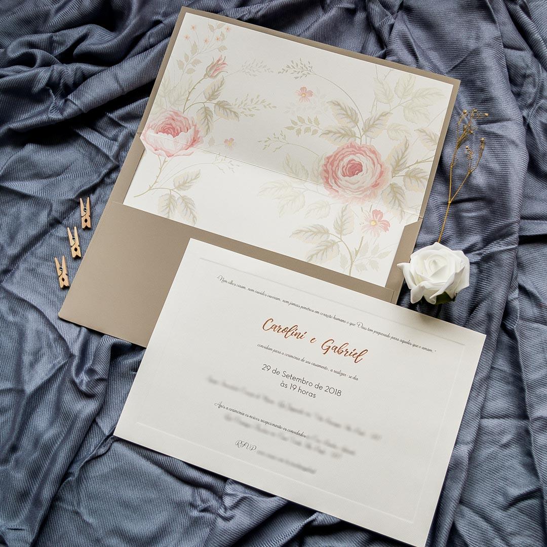 Convite de casamento com flores clássico