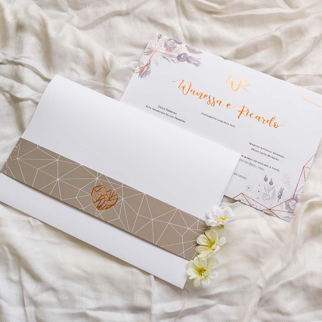 Convite de casamento com flores diferente